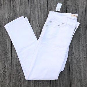 NWT GAP Best Girlfriend White Jeans | Size 27